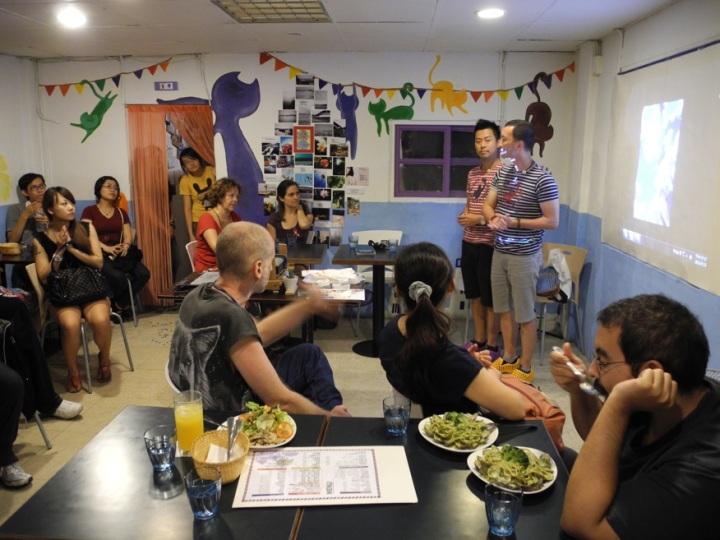 台中場次在當地一家由女同志開設的意大利餐廳舉辦,觀眾非常熱情親切,發問踴躍,整場座談會都洋溢着笑聲。